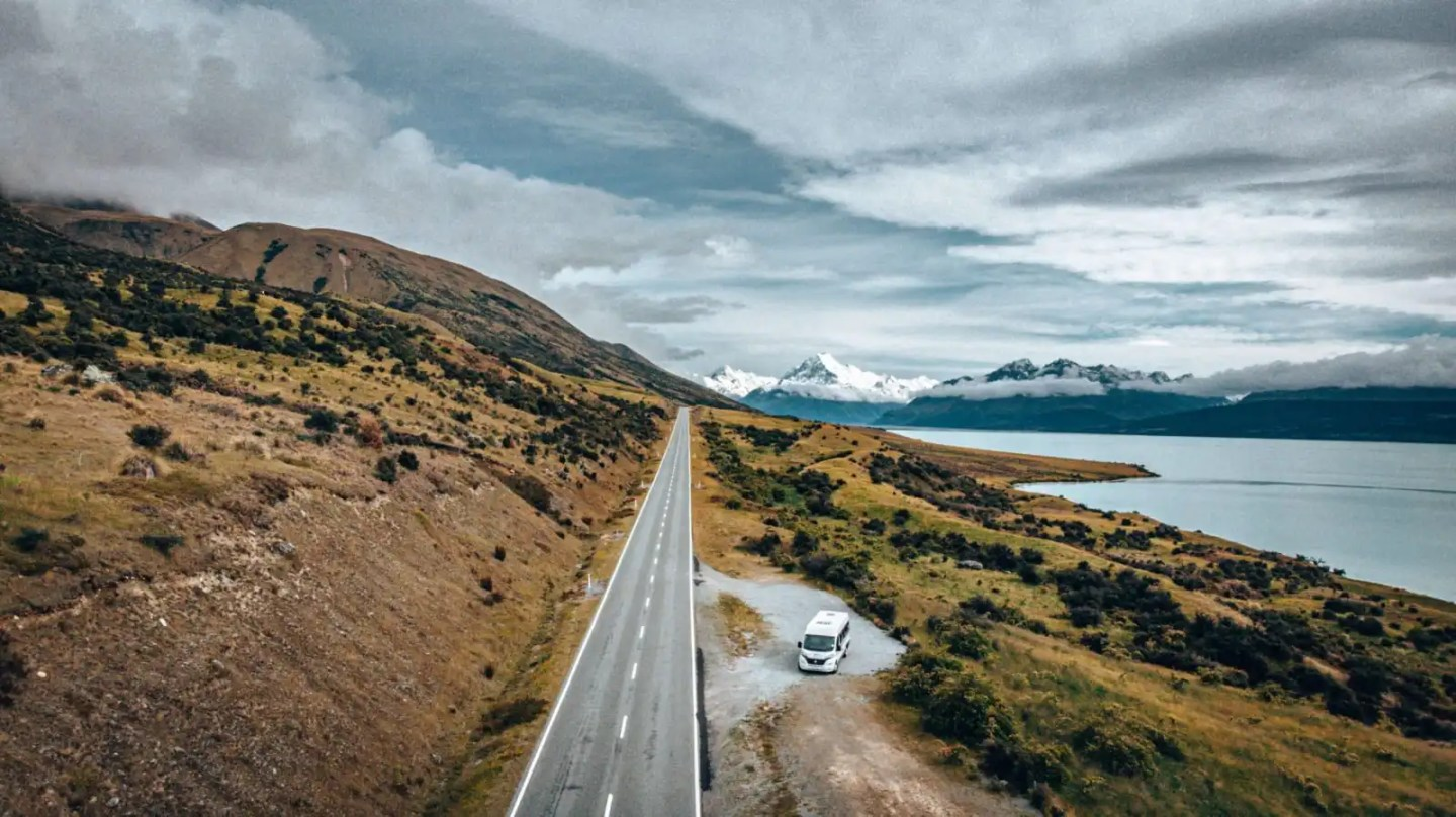 The road towards Mount Cook