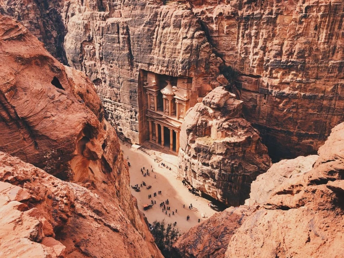 amous Landmarks around the world - Petra Jordan