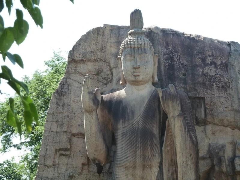 Landmarks in Sri Lanka - Avukana Buddha Statue