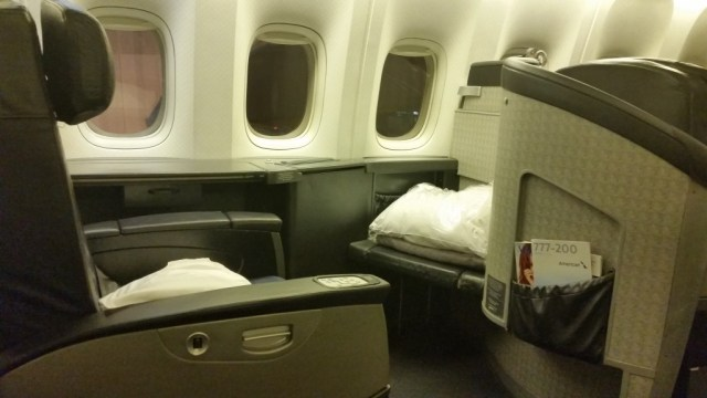 american airlines 777-200 first class review tokyo to chicago