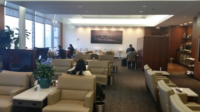 united global first class lounge chicago ohare ord