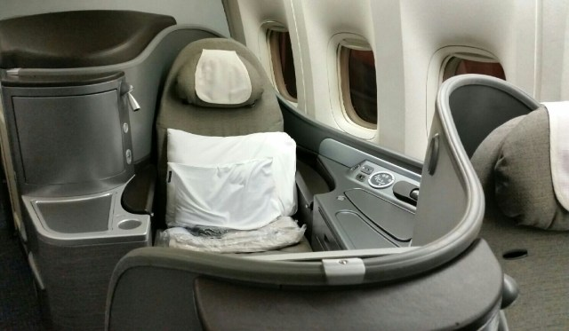 united 777 global first class