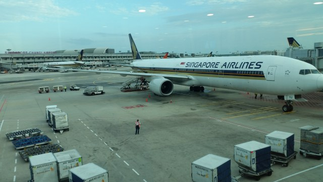 singapore airlines economy 777