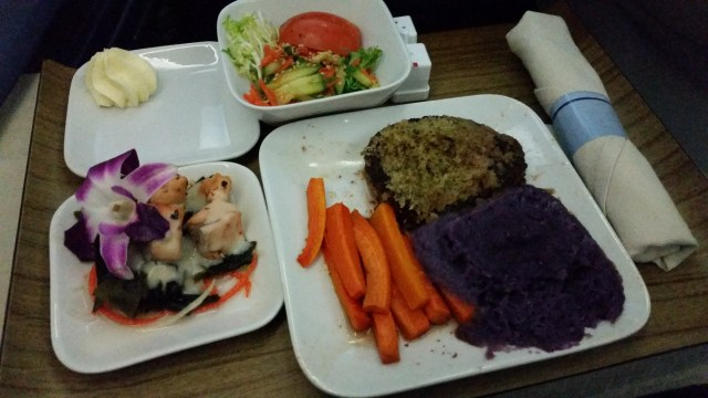delta air first class review HNL to MSP