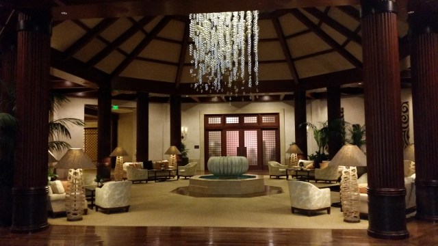 the st regis princeville hotel lobby