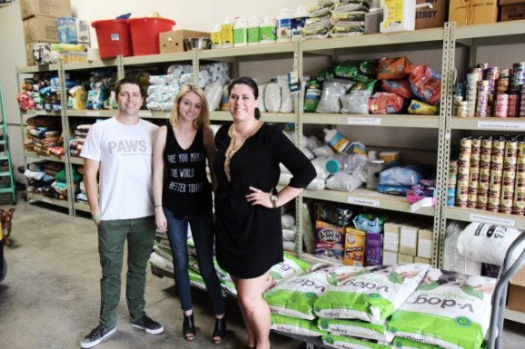 Bringing vegan dog food to Pets of the Homeless