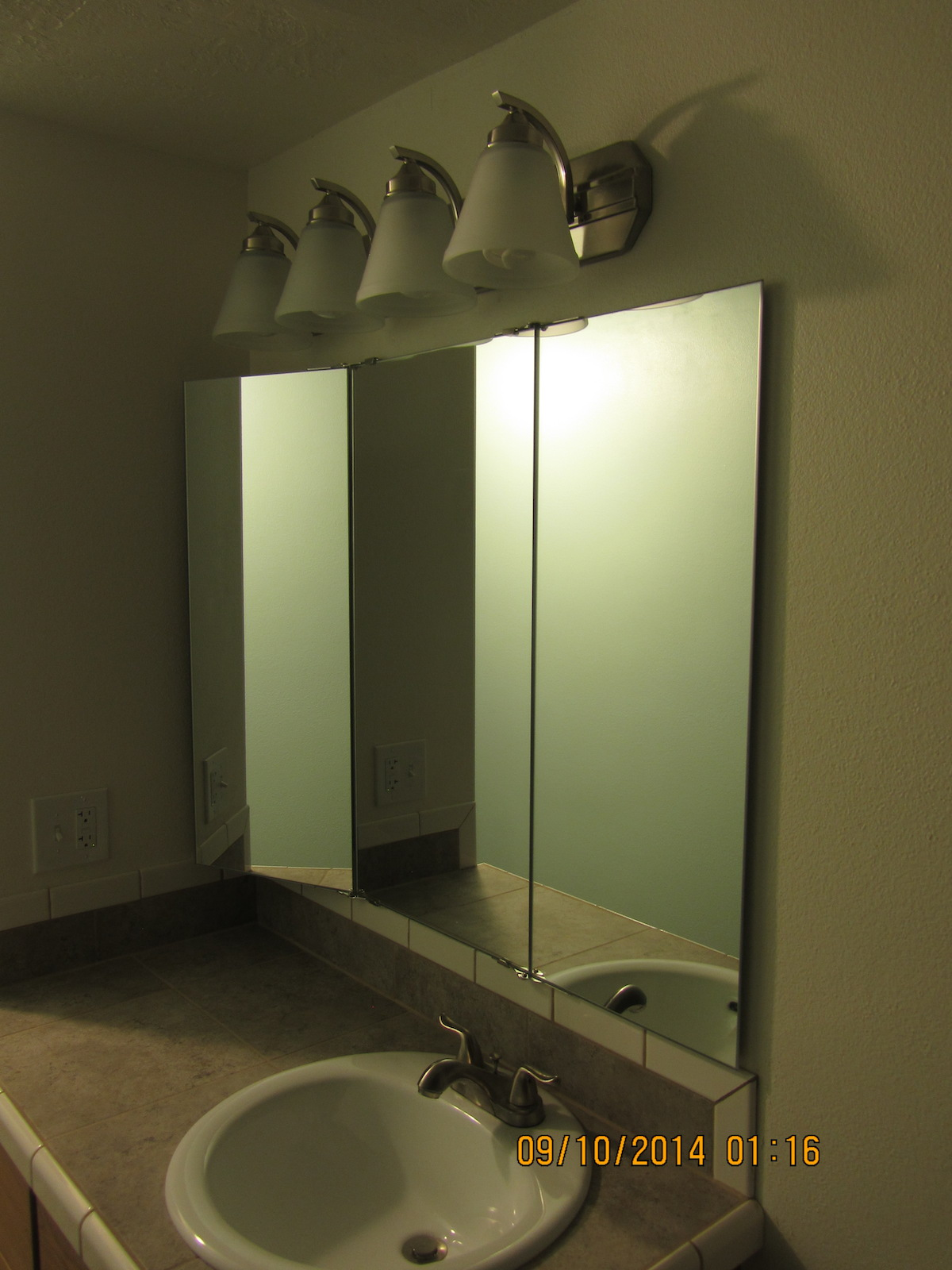 Trifold Vanity And Wardrobe Mirrors