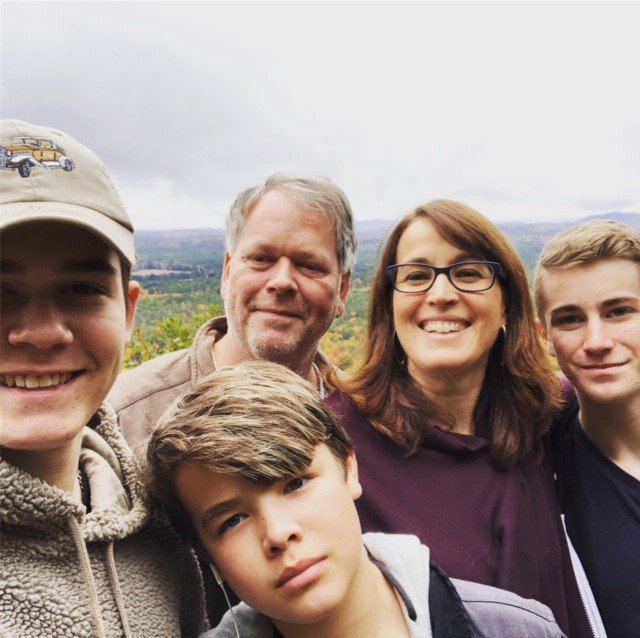 New Hampshire photo of family travel