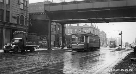 """In this slushy winter scene, car 3266 is southbound on State below 59th, passing under the """"L"""". (Joe L. Diaz Photo)"""