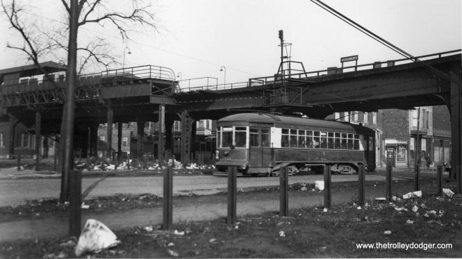 """Car 1821 passing under the Sacramento station on the old Garfield Park """"L"""". The curve in the tracks is quite apparent here. (Joe L. Diaz Photo)"""