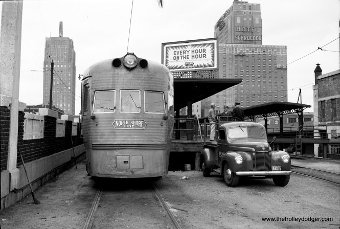 An Electroliner at the Milwaukee terminal in 1949. (Trolley Dodger Collection - Photographer Unknown)