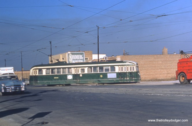 CTA 4016 pulls into the terminal at Western and 79th on route 49.