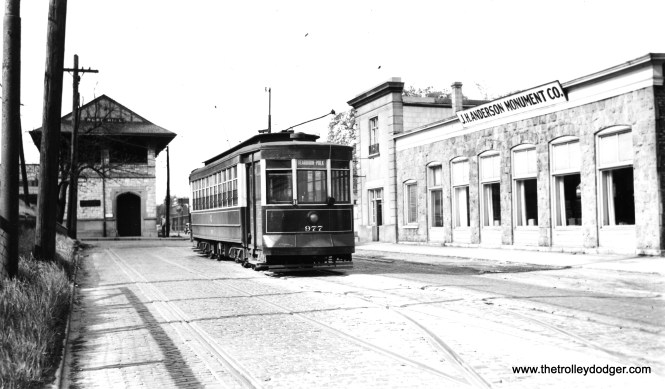 CSL 977. This, and the next few pictures, were all taken at Ravenswood and Rosehill, by the Rosehill Cemetery. The building at left is a commuter rail station. (Joe L. Diaz Photo)