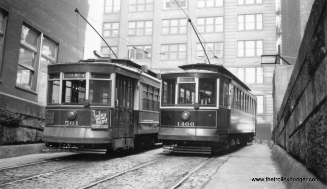 CSL 561 and 1466 at the entrance to the Van Buren streetcar tunnel. 1466 is signed as a demonstration car, i.e. training. You can see another view of this tunnel, taken from the opposite direction, in a previous post: http://thetrolleydodger.com/2015/02/28/chicago-streetcars-in-black-and-white-part-2/ (Joe L. Diaz Photo)