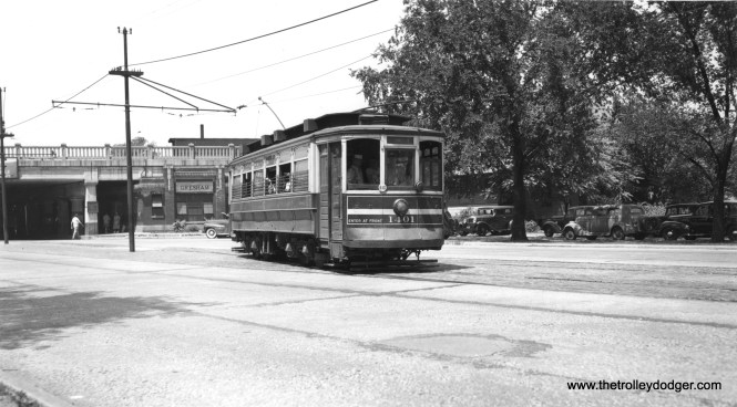CSL 1401 on the 87th Street line by the Gresham station on the Rock Island. The line ended east of the station and there was no direct track connection to Vincennes on the other side of the RI. We published another photo taken at the same location in our previous post Chicago Surface Lines Photos, Part Four (November 27, 2015) (Joe L. Diaz Photo)