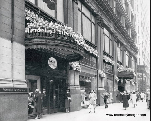 The entrance to Mandel Brothers department store at State and Madison in downtown Chicago. They were bought out by Wieboldt's in 1960. Wieboldt's went out of business in 1986 but the building is still standing.
