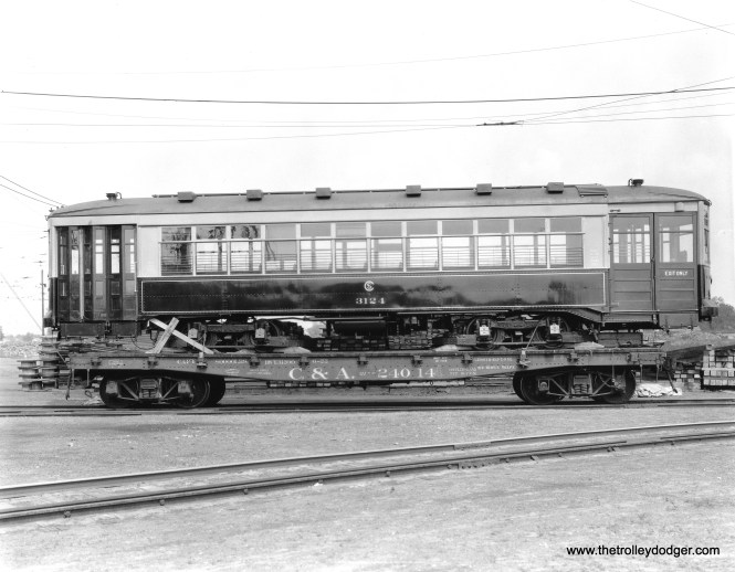 "CSL 3124 being delivered. Don's Rail Photos says, ""3124 was built by Brill Car Co. in December 1922, #21686. It was rebuilt as one-man in 1949."" (Krambles-Peterson Archive)"