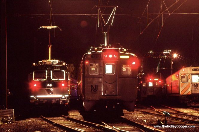 NJT ALP-44 # 4418 & Arrow III MU # 1313 spend the night in the yard 5/15/98