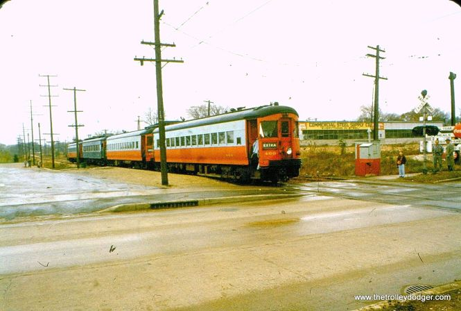 A CA&E for-car train of steels, headed up by 460. Some think this may be 25th Avenue in Bellwood.
