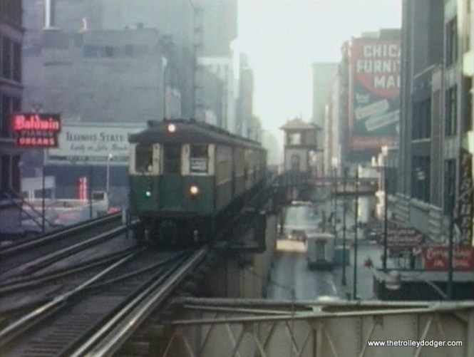A Lake train of 4000s approaches Adams and Wabash in 1963, when the Loop was single-directional.