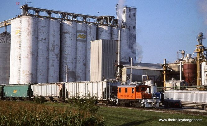 17. IATR # 60 pulls a cut of hoppers away from the AGP plant at Mason City.