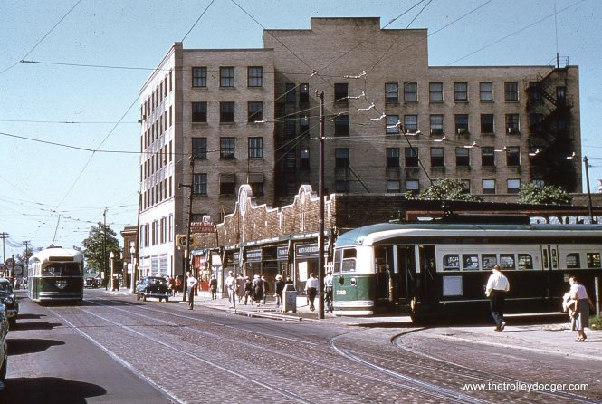 CTA PCCs 7070 and 7168 at Clark and Howard, the north end of route 22 - Clark-Wentworth, in the 1950s. (Ashland Car Works)