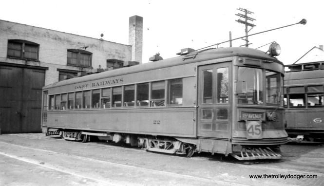 Gary Railways 22 on May 16, 1940. (Gordon E. Lloyd Photo)