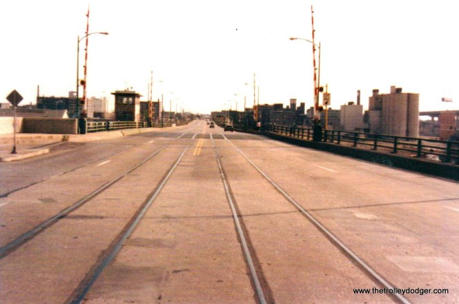 1B The 6th St. Viaduct in 1989. NSL rails still there. C.N.Barney