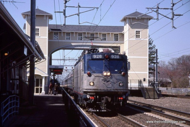 Photo 27. AEM-7 #928 on Train #170 at Old Saybrook, CT. 4-19-05.