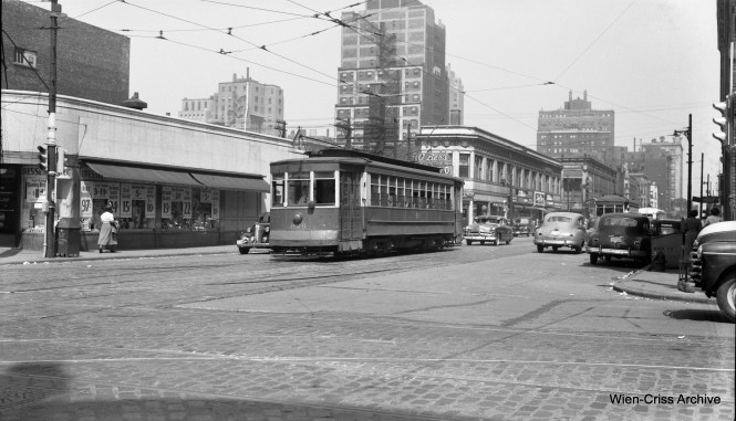 CTA 926 is a Lincoln-Peterson car at Division and Clark in June 1951. (Robert Selle Photo, Wien-Criss Archive)