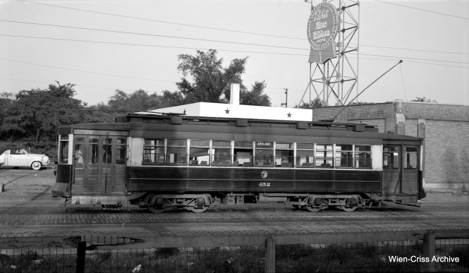 On August 7, 1952, CTA 452 is at the north end of Route #9 - Ashland, on Southport just north of Irving Park Road. (Robert Selle Photo, Wien-Criss Archive)