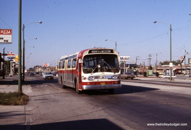 South Suburban Safeway Lines 714 on Western at 79th on October 4, 1975. (Michael N. Charnota Photo)