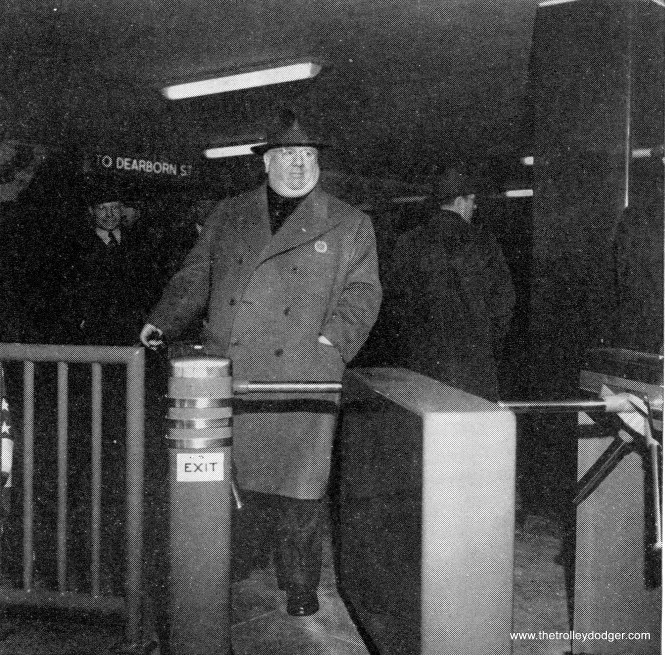 An old-time Chicago political boss enters the State Street Subway.