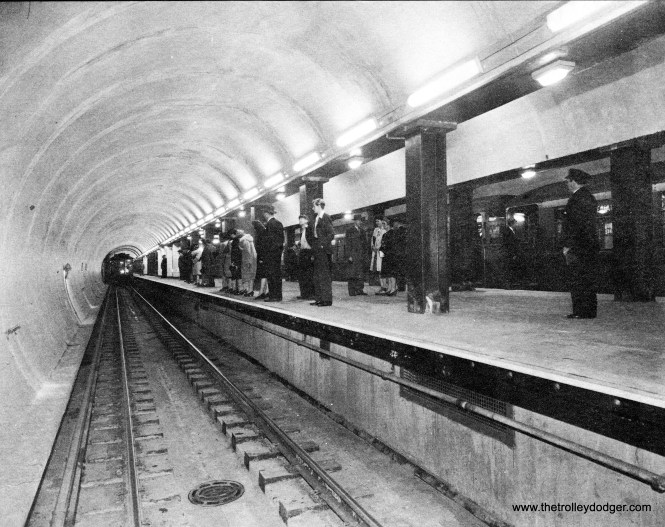 The continuous platform in the State Street Subway, 1943.