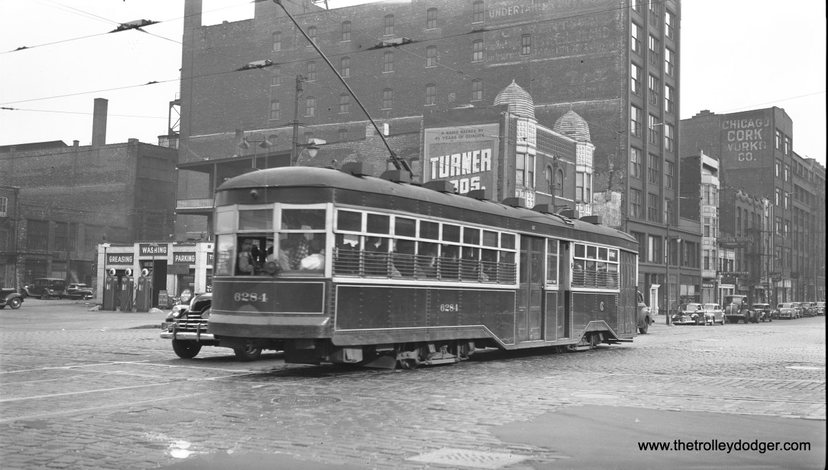 CSL 6284 on Wabash at Roosevelt Road on June 13, 1947. Although the car is full of people, for some reason the side sign says Not In Service.