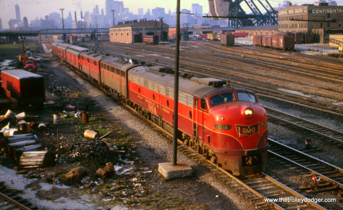 "The GM&O ""Abe Lincoln"" at 18th Street in Chicago on April 22, 1966. (William Shapotkin Collection)"