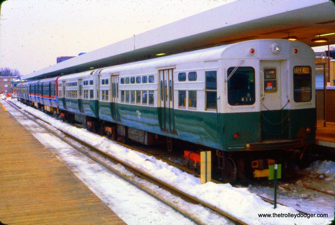 CTA 6103-6104 are at the head of a 6-car Ravenswood train at Kimball and Lawrence on January 23, 1979. (Ronald J. Sullivan Photo)