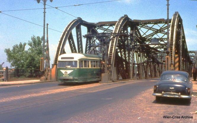 CTA 4037 is on Western at the Chicago River on June 10, 1956-- just one week before the end of streetcar service on Route 49. (Wien-Criss Archive)