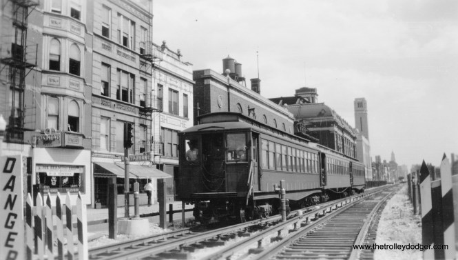 "A train of CTA 2800s at Van Buren and Paulina. This was the temporary route for part of the Garfield Park ""L"" from 1953 to 1958."