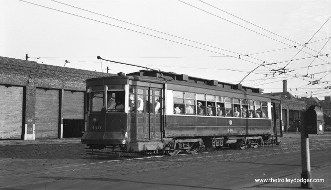 CTA red Pullman 440 is southbound at Kedzie and Van Buren on July 1, 1953, passing by Kedzie Station. (Bob Selle Photo)