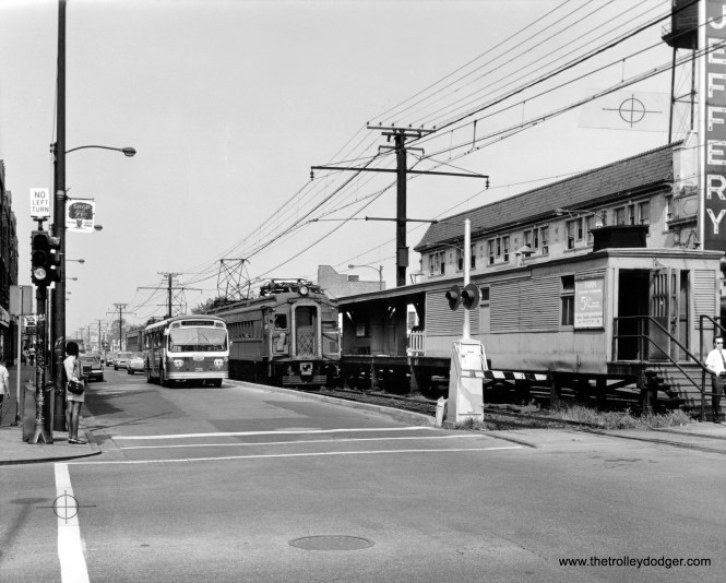 CTA 3339 Jeffery & 71st St. in 1968, running parallel to the Illinois Central Electric's South Chicago branch (now the Metra Electric).