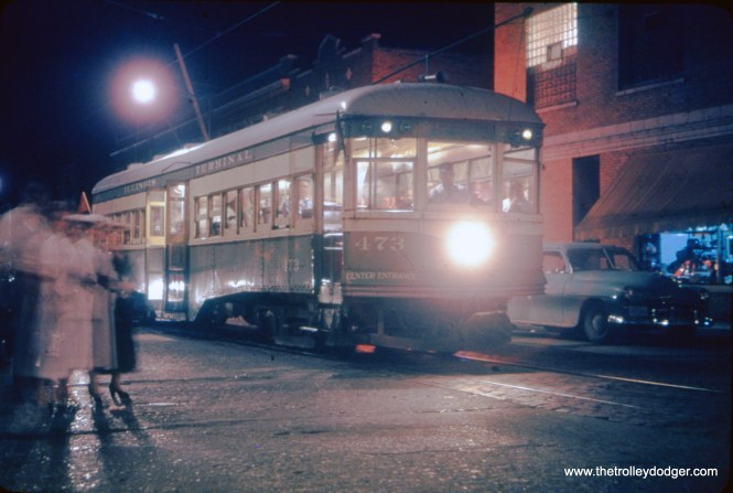 Another great night shot, this time it's Illinois Terminal 473 on the line that ran from St. Louis to Granite City in the 1950s. This was IT's final passenger line and was abandoned in June 1958, on the same weekend that the last Chicago streetcar ran.
