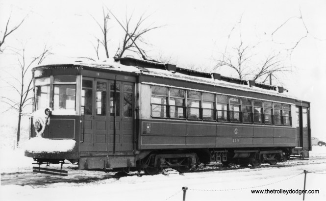 CSL 419, at the east end of the Chicago Avenue line on December 27, 1946.
