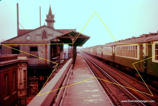 """This is either the Kedzie or Homan station on the Lake Street """"L"""" (today's Green Line). There was a third track on a portion of the line, originally used for express trains. In the CTA era, it was used for midday car storage."""