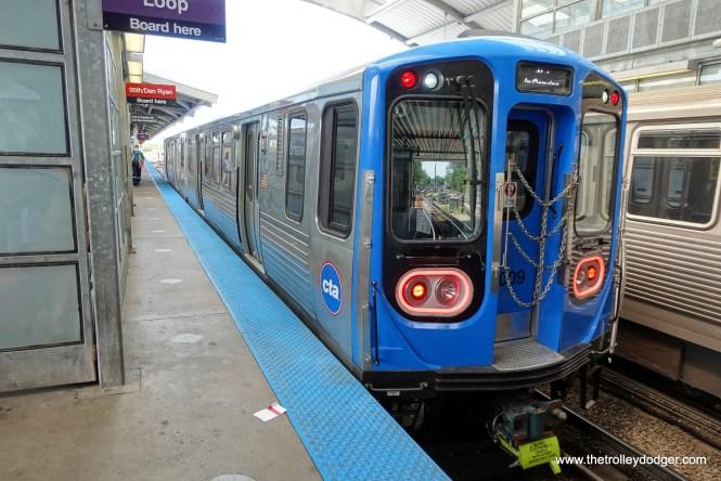 CTA 7009-7010 at Howard.