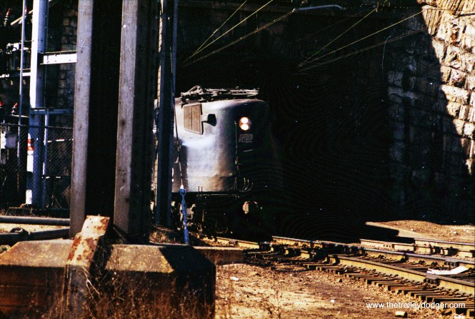 GG1 popping out of B&P tunnel