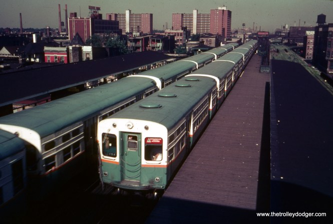 The westbound view from the transfer bridge at 40th and Indiana on July 2, 1963 shows CTA 6047 at the rear of a northbound train, fitted with an experimental ventilation system. This was not shot on Kodachrome, which explains the somewhat funky color shift on this slide. (William C. Hoffman Photo)