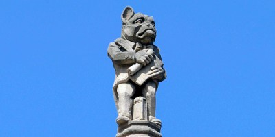 Architecture at Yale Law School. The lawyer is supposed to have the stubborness of the bulldog, not his looks.