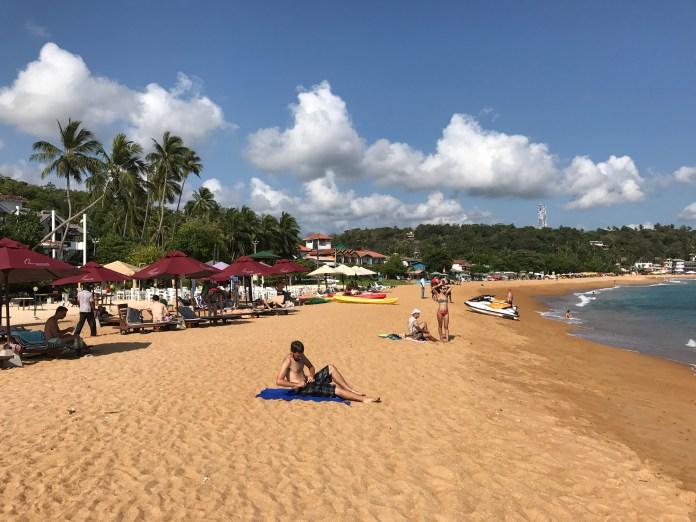 Unawatuna Beach - How to spend 7 Days in Sri Lanka.