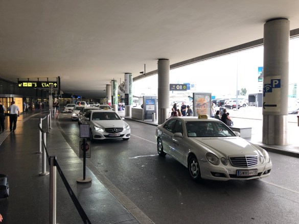 taxi vienna airport